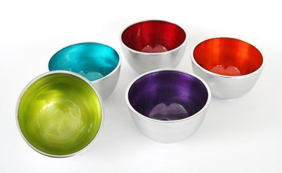 Small round bowls in recycled aluminium